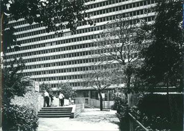 בניין העירייה בימיו היפים. אתגר שיקום של ממש (צילום: בני בדרשי)