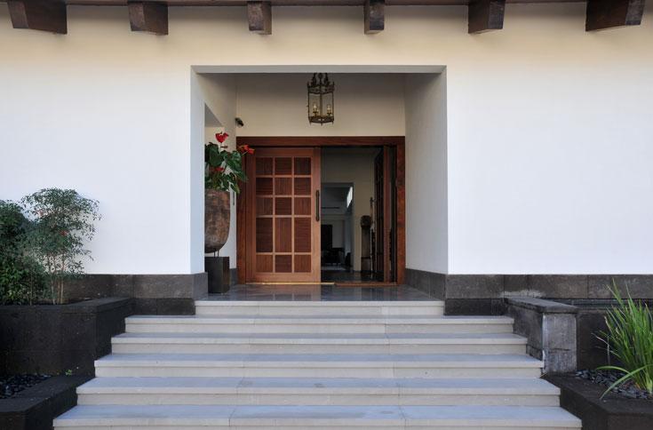 """המקום: כפר שמריהו. מטראז': 700 מ""""ר על מגרש של שבעה דונם. אדריכלות: פלסנר אדריכלים, אדריכלית רות פקר. עיצוב פנים: פלסנר אדריכלים, אדריכלית רות פקר (צילום: שי אדם)"""