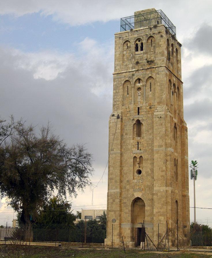 המגדל לבן. תצפית מרהיבה על גוש דן וירושלים (צילום: אריאלה אפללו)