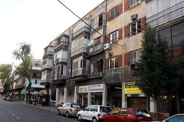 השפעתם על רחוב כמו אבן גבירול בתל אביב היא שולית, אם בכלל קיימת היום (צילום: מיכאל קרמר)