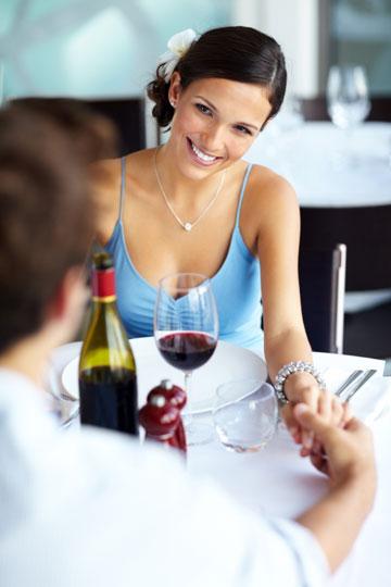 תעשו אחד לשניה את היום בארוחת צהריים משותפת (צילום:  shutterstock)