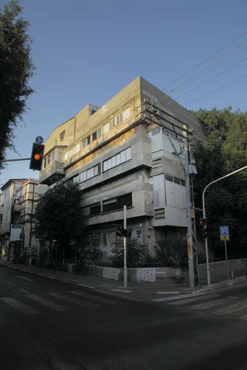 בית אנגל, המבנה המשמעותי ביותר בעבודתו ובתרומתו לאדריכלות המקומית (צילום: אמית הרמן)