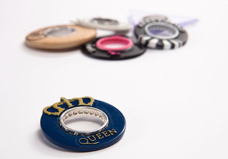 ה''לינק'' של עודד גוב: נגן בצורת טבעת, שאפשר לעצב ברוח האלבום ששומעים, לחבר לרמקולים הביתיים או לאוזניות (צילום: עודד אנטמן )