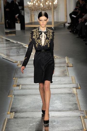קולקציית סתיו-חורף 2011-12 של ג'ייסון וו. תעשיית האופנה האמריקאית מחבקת (צילום: gettyimages)