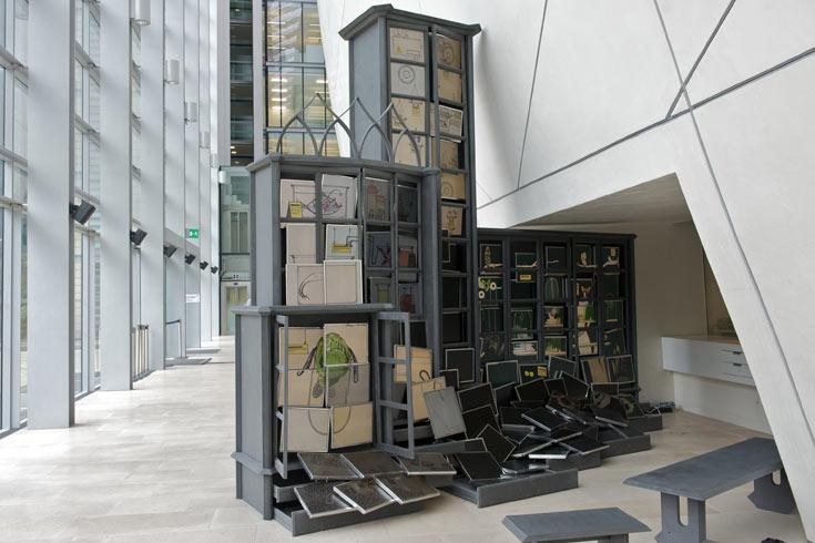 יעל מר ושי אלקלעי מסטודיו Raw Edges מציגים במוזיאון הטבע מיצב הממחזר צגי מחשב ישנים