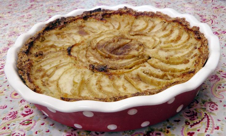 פאי תפוחים עם קרם וניל (צילום: אסנת לסטר)