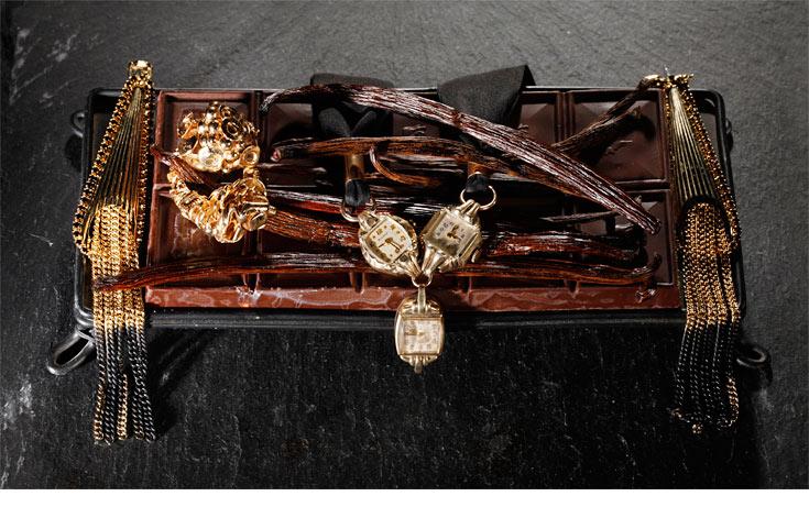 חטיף שוקולד פריך (לקבלת המתכון, לחצו על התמונה). שרשרת שעונים, רובי סטאר; טבעות, דורון טאובנפלד; עגילים, ליטל קלמנסון (צילום: כפיר זיו )
