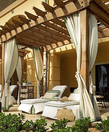 מרפסת בחדר מסוג ה-Lanai Terrace  (צילום:  Ritz Carlton Hotel)