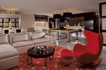 עמוסה מדי בפרטים. הסויטה הנשיאותית (צילום: Ritz Carlton Hotel)