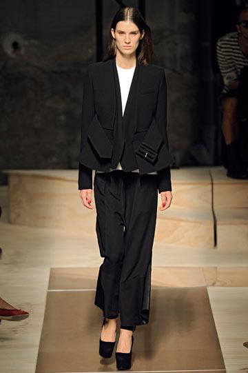 סלין, אביב-קיץ 2012. מעצבת האופנה פיבי פילו יודעת מה נשים רוצות (צילום: gettyimages)