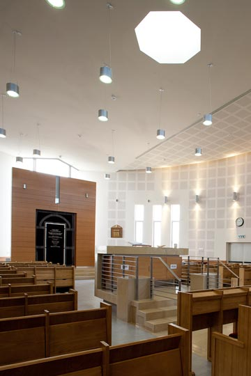 בית הכנסת (צילום: טל ניסים)