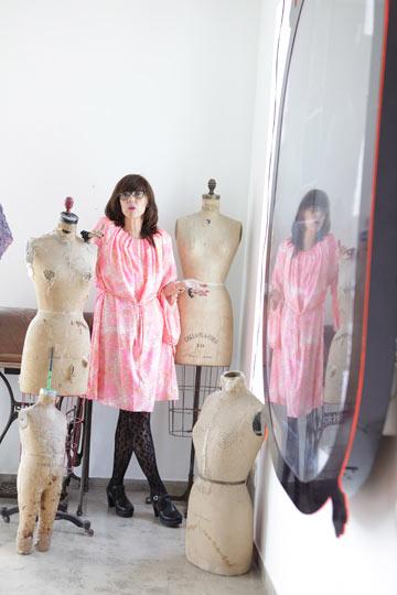 ''אני אמצא את הדרך להיות אופנתית גם בלי ללבוש סקיני'' (צילום: עמי סיאנו)