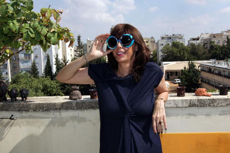 אורית פרייליך. ''אני רואה הקבלה מטורפת בין עולם האופנה לעולם הדת'' (צילום: עמי סיאנו)
