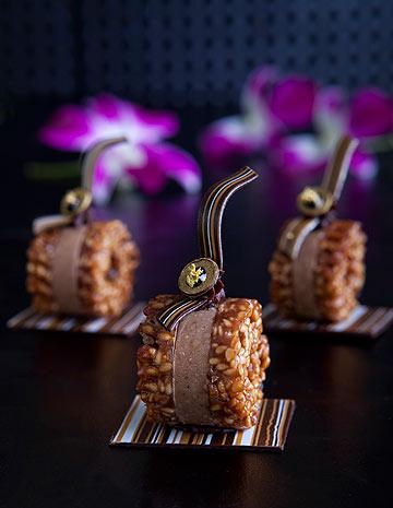 סושי שוקולד-נוגט בציפוי שומשום (צילום: שירן כרמל, סגנון: אפרת ליבפרוינד)