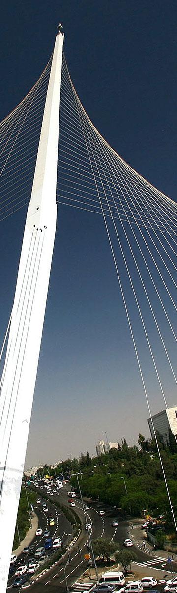 גשר המיתרים בירושלים. סמל חדש בעיר (צילום: ששון תירם  )