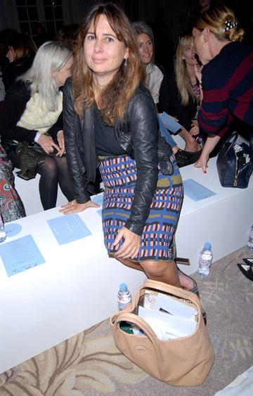 אלכסנדרה שולמן בשבוע האופנה בלונדון. לא מתבלטת (צילום: gettyimages)
