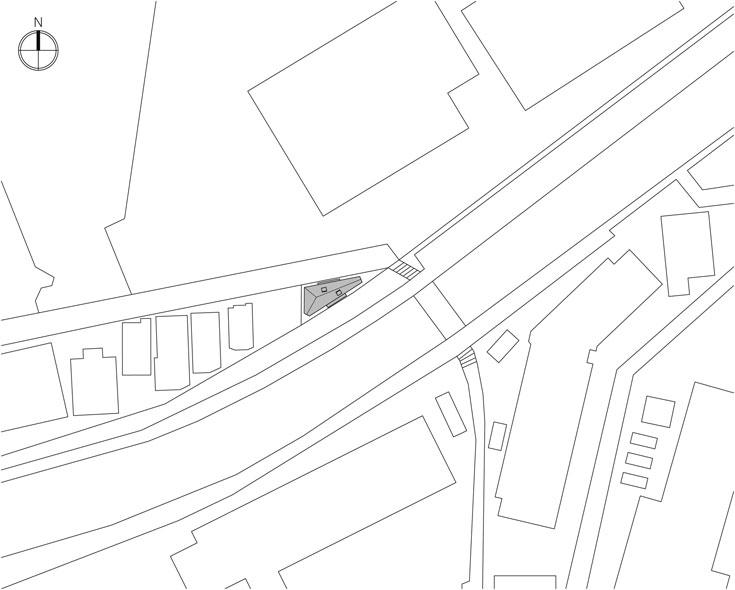 כך לכוד המגרש המשולש בסביבתו (שירטוט: kota mizuishi / mizuishi architect atelier)