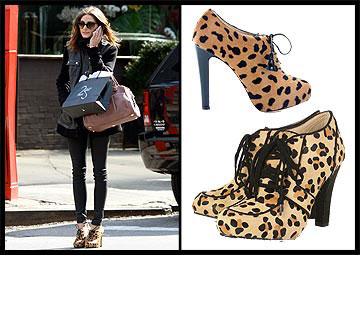 אוליביה פלרמו עפה על הנעליים המנומרות של המעצבת שרלוט אולימפיה (בתמונה העליונה, 655 אירו). אם גם את בעניין, לכי על האופציה הזולה יותר של טופשופ (בתמונה התחתונה, 799 שקל)