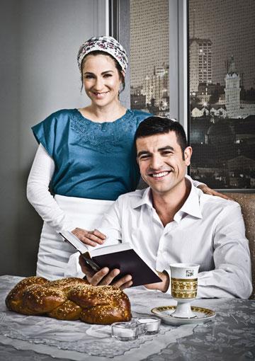 """יהודי מאמין. יחד עם יעל שרוני ב""""סרוגים"""" (צילום: פיני סילוק)"""