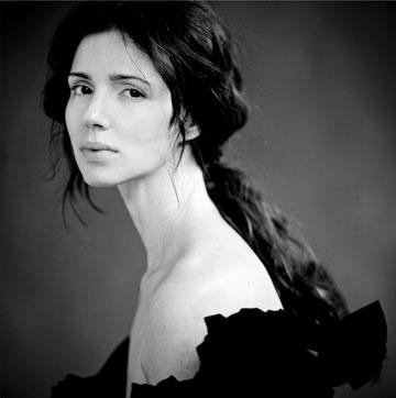 ''אני לא רואה באמנות שלי ילדה יפה, אלא זעקה פנימית של אישה'' (צילום: אלון שפרנסקי)