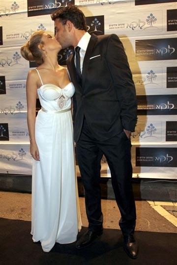 """""""אנחנו סוג של זוג נשוי כבר הרבה זמן"""". מימון ובעלה הטרי יוני רג'ואן (צילום: רפי דלויה)"""