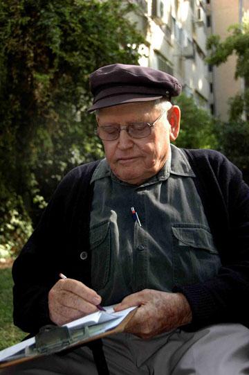 האדריכל דן צור, השותף המייסד של המשרד (צילום: נורית לשם)