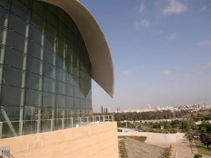 מרכז רבין, המוקדש לאיש ופועלו מצעירותו ועד סוף ימיו (צילום: יעל צור)
