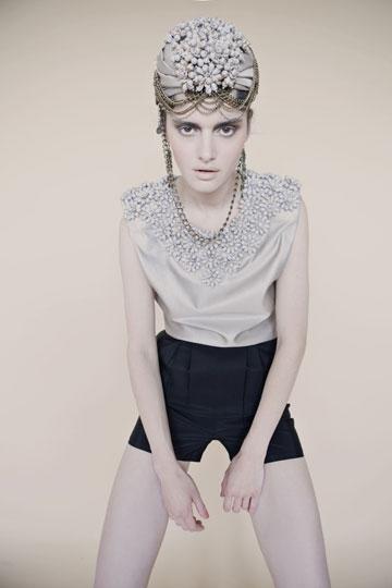 ביורק היא אייקון אופנה. קולקציית קיץ 2010 של אלון ליבנה (צילום: דודי חסון)