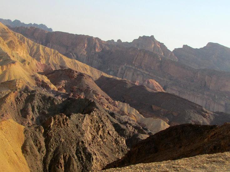 נוף מלא בצבעים (צילום: דרור זבדי)