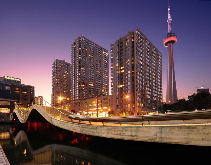 הטיילת החדשה בטורונטו. ''חשוב לנו להבין את ההקשר התרבותי המקומי'' (באדיבות: West 8 urban design & landscape architecture)