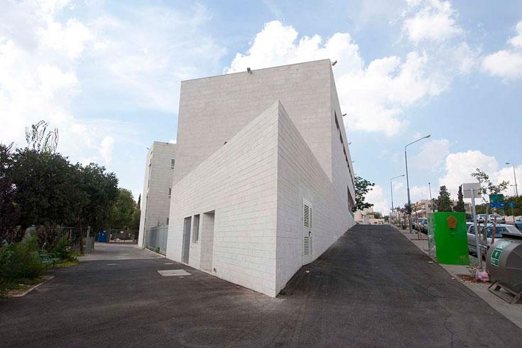 """""""קריות חינוך קהילתיות הן אחד הכלים המוצלחים לחידוש עירוני'', אומרת האדריכלית (צילום: גיא יצחקי)"""