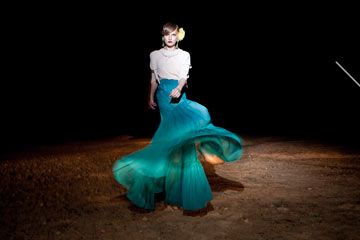 כבר הספיק להלביש את דנה אינטרנשיונל. קולקציית 2011 של נתנאל זיקרי (צילום: דביר כחלון)