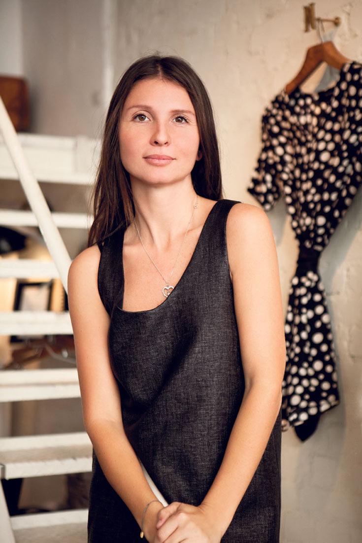תשמח להלביש את קרן מור ורונית אלקבץ. המעצבת יעל מניה (צילום: קית ג'לסמן)