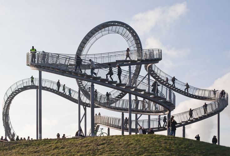 ''נמר וצב - ההר הקסום'': הנמר מרמז לרכבת הרים, הצב לצפייה בנוף, ואת ההר הקסום באמת שאין צורך לפרש (צילום: Heike Mutter and Ulrich Genth)