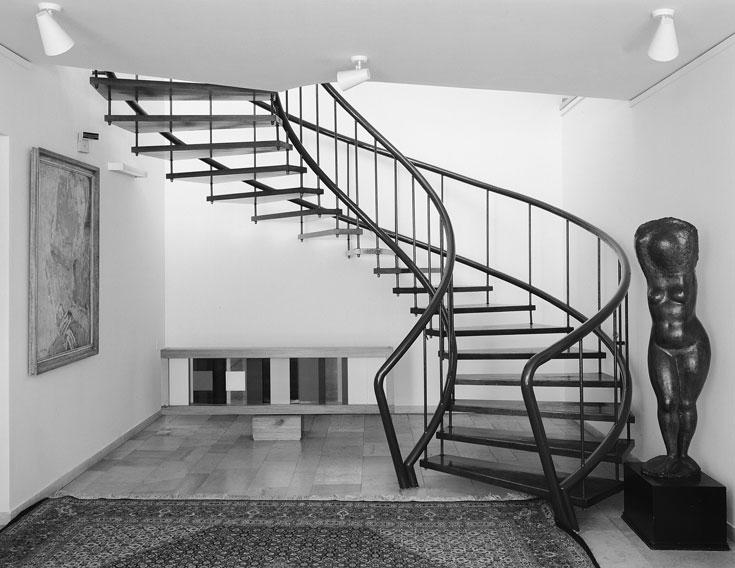 וילה זקס אז. ביתה המהודר של משפחת זקס (צילום: ג'ורג' פסי, מתוך הספר ''בתים מן החול'' מאת ניצה סמוק)