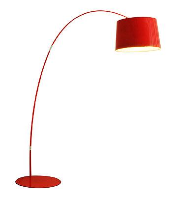 מנורה עומדת מדגם ''טיילור'' ב-1,990 שקלים. ''דורי קמחי''
