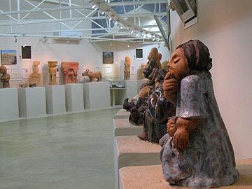 בהשראת ממצאים ארכיולוגיים. מוזיאון אדם  ותכשיט (צילום: אריאלה אפללו)