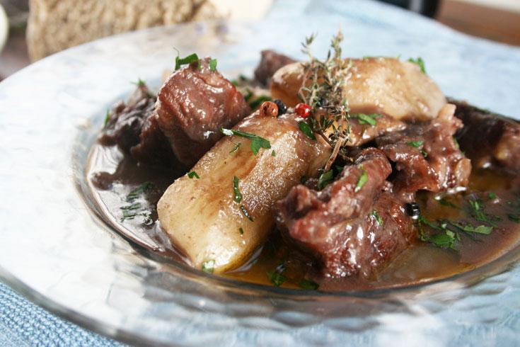 טעים מאוד גם אם משתמשים בבשר קפוא. התבשיל (צילום: ילנה ויינברג)
