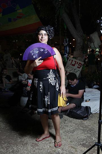 איה מכלין. ''אני נראית ככה כל הזמן, לא התלבשתי במיוחד למחאה'' (צילום: עמי סיאנו)