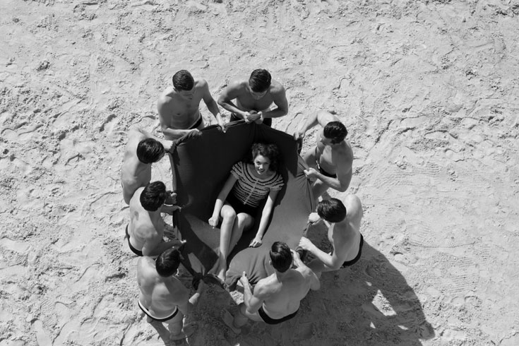 סריג, כריסטיאן דיור באניגמה; תחתונים, אמריקן אפרל (צילום: יניב אדרי)
