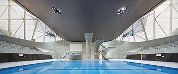מרכז השחייה שתיכננה זאהה חדיד (באדיבות Zaha Hadid Architects)