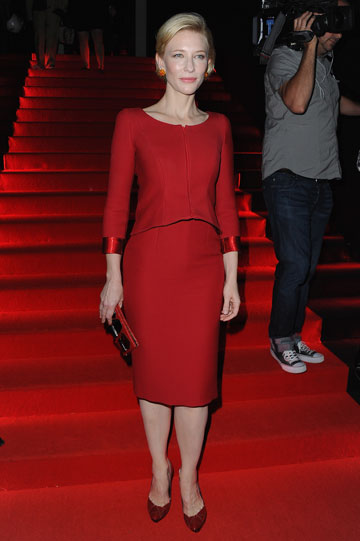 קייט בלאנשט לובשת מידי לתצוגת האופנה של ארמאני פריווה (צילום: gettyimages)