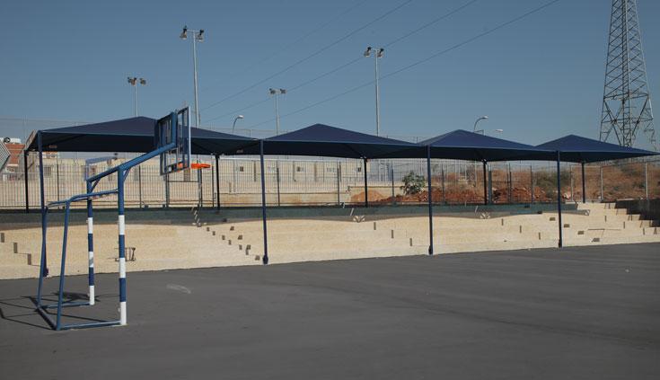מגרש הכדורסל של ''מורשת נריה''. הפיתוח יושלם עד פתיחת שנת הלימודים (צילום: אמית הרמן)