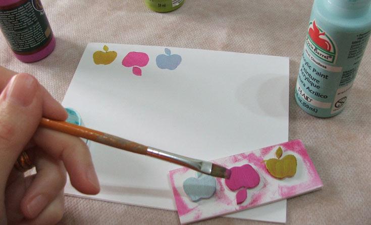 לפניכם שימוש בצבע אקרילי על החותמת והחחתמה (צילום: עדיה ברקוביץ')