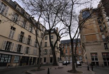 פריז. אין מגדלים והעיר צפופה בהרבה מת''א (צילום: antonikon, cc)