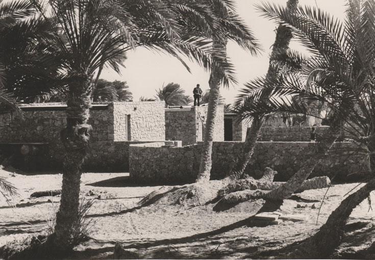 בימים שבהם ישראל החזיקה בסיני, מנדל היה גם כאן. זהו אחד הפרויקטים שהוא תיכנן לשבטים הבדואיים, ושקרובים עד היום לליבו (צילום: אדריכל גובי קרטס)
