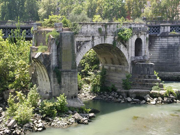 Ponte Rotto, גשר עתיק מעל נהר הטיבר (צילום: plastictaxi cc)