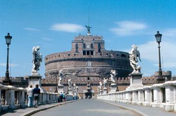Castel Sant'Angelo, הטירה שנבנתה בשלהי המאה ה-2 (צילום: roger4336 cc)