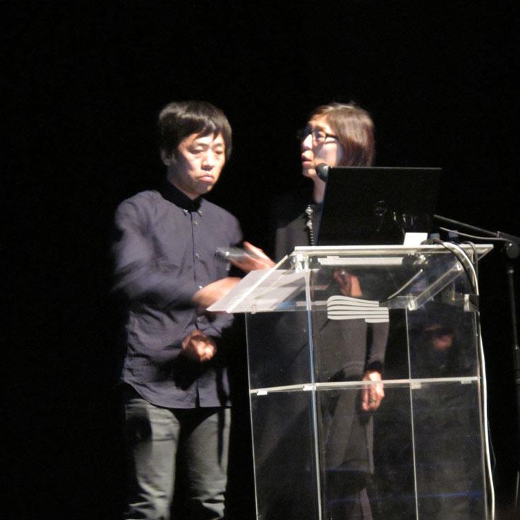 סג'ימה ונישיזאווה בהרצאתם במדיטק חולון בחודש פברואר השנה. זכו אשתקד בפרס פריצקר (צילום: מיכאל יעקבסון)