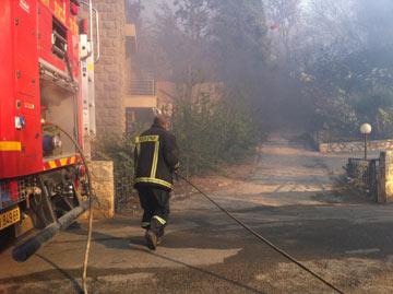 בית שלו בשריפה, דצמבר האחרון (קרדיט: גיא מרין)